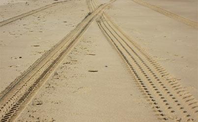 reifenspuren-sand
